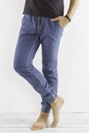 Męskie spodnie joggery niebieskie klasyczne